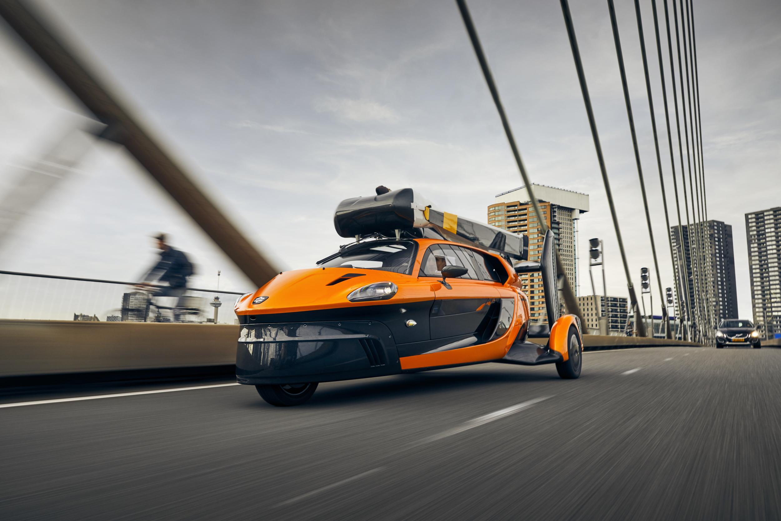 TRA-C industrie est l'un des partenaires de la première voiture volante